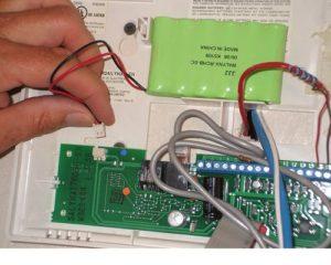 Riasztórendszer akkumulátor csere